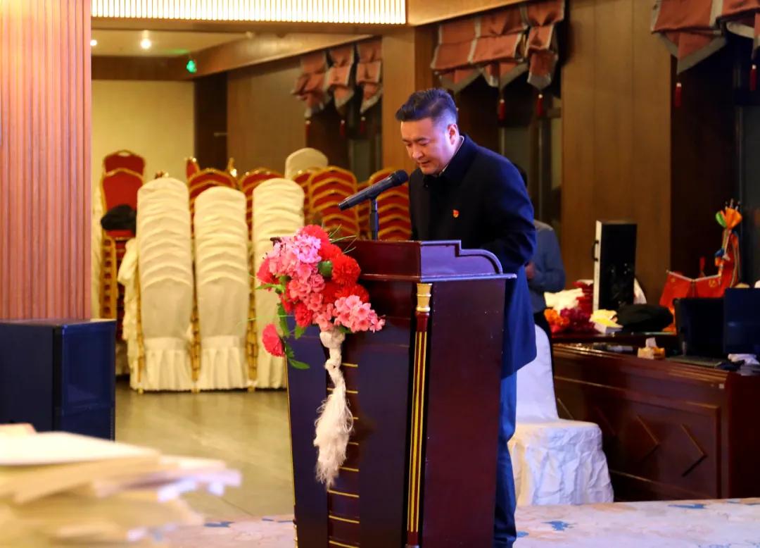 囊谦县举办文学艺术界联合会2021年新春茶话会