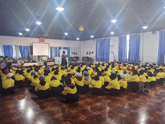 囊谦县开展未成年人身心健康教育进校园活动